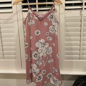 Francesca's Collections Dresses - Francesca's Pink Floral Dress